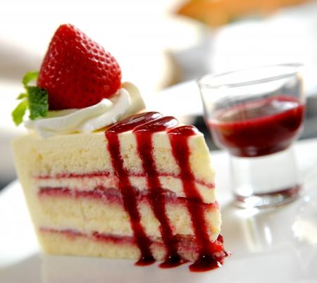 postres: pastel de fresa