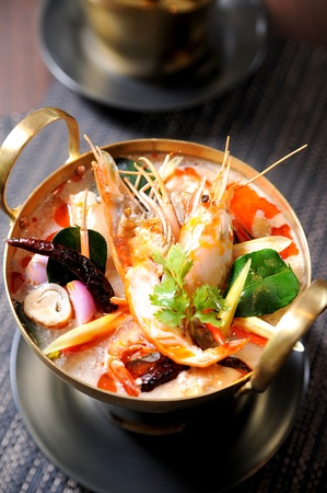 Tom Yum soup, a Thai traditional spicy prawn soup Stock Photo - 10121191