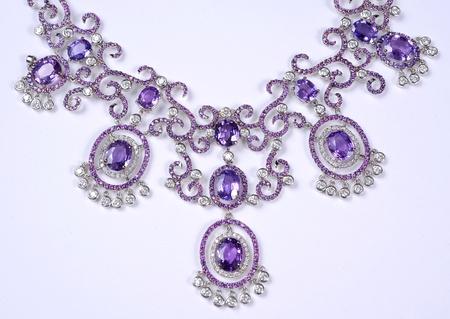 diamonds necklace photo