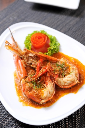 gambas: prawn shrimp with sauce