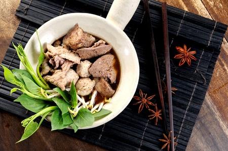 thai noodle soup: noodle and soup