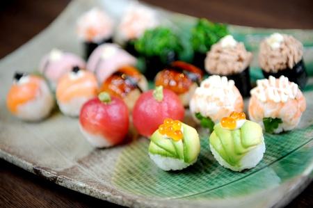 Sushi und Rolls Nahaufnahme Standard-Bild
