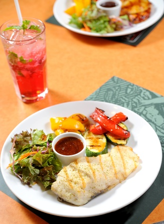 greenfish: Fish steak with vegetables