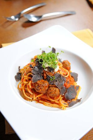 spaghetti and meat balls photo
