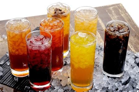 bebida tradicional de Asia, frutas y bebidas frías a base de hierbas Foto de archivo