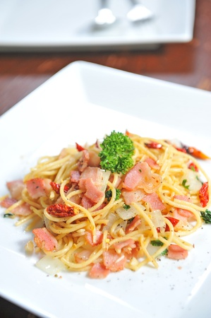 Spaghetti with bacon photo