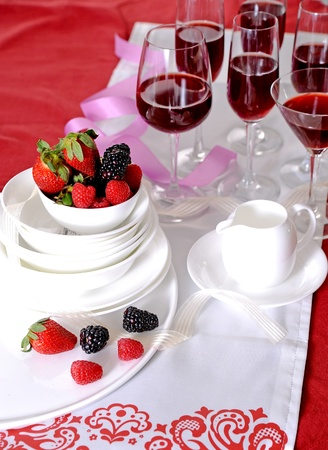 table berry and wine photo
