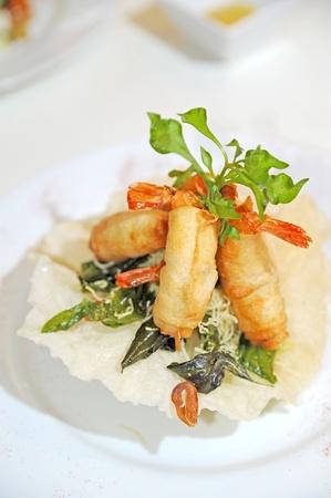 thai cuisine, fried shrimp spring rolls photo
