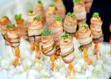 prosciutto: Grilled shrimps with bacon Stock Photo