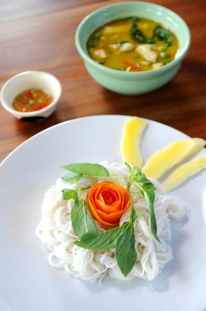 thai style noodle with vegetables photo