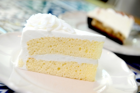 layer cake: delicious white cake