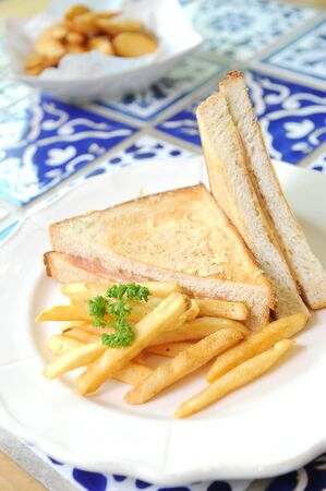 multi grain sandwich: sandwich with potato