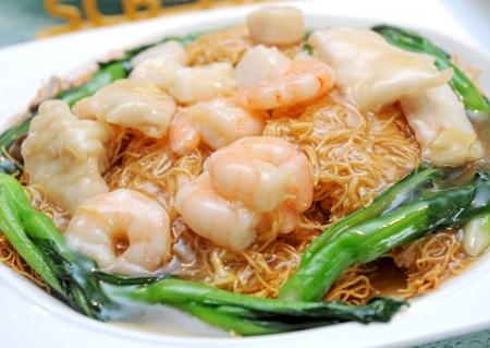 mee pok: noodles  stir-fried noodles with seafood
