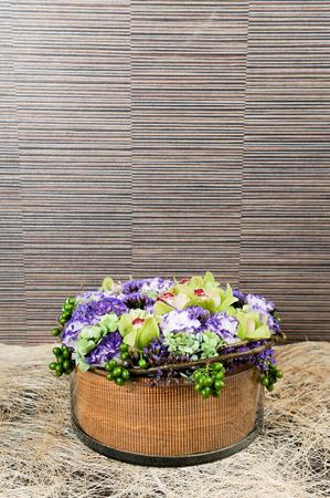 flowers in glass vase Stockfoto