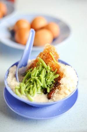 Sluit omhoog van dessert Maleisië met stroop Stockfoto - 92592967