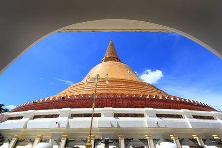 nakhon pathom: Phra Pathom Chedi is the tallest stupa in Thailand  Stock Photo