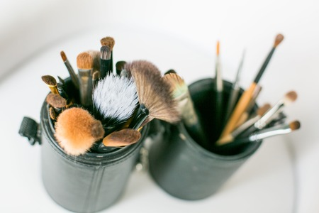 brush in: brush in the pouch for makeup on the wedding