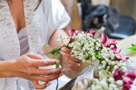 arm bouquet: bridal bouquet with flowers