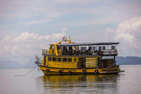 Port berth yacht and speedboat in phuket, Thailand Redactioneel