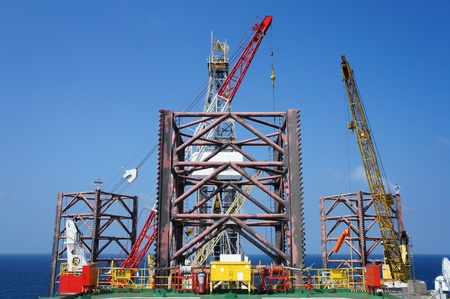 jack up: Jack Up Offshore Drilling Rig on Sunny Day - The View From The Bow Leg