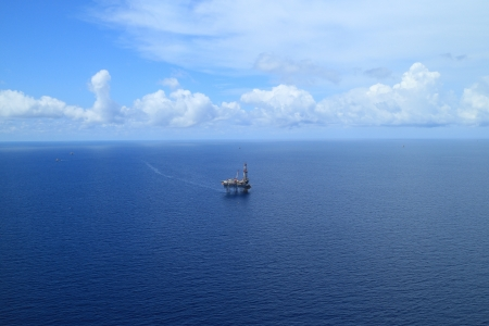 oilrig: Aerial View of Offshore Jack Up Drilling Rig in The Middle of The Ocean