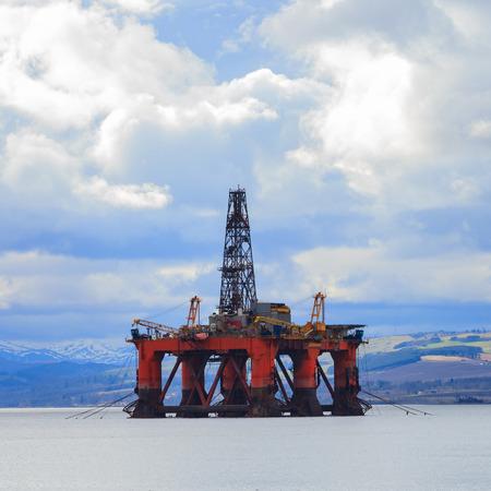 oilrig: Semi Submersible Oil Rig at Cromarty Firth in Invergordon, Scotland
