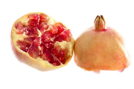 segmento: Ripe pomegranate fruit segment isolated on white background cutout