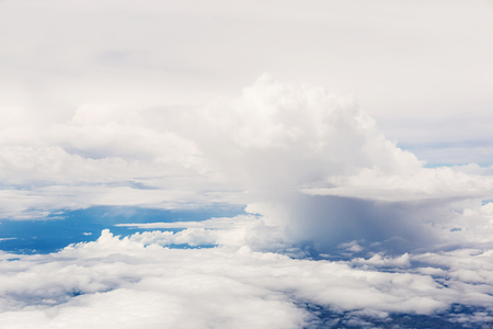 clouds and blue sky seen from plane Banque d'images