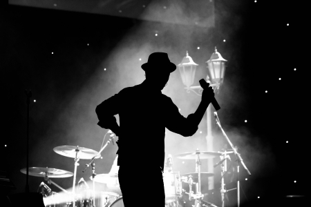 concert with Silhoutette