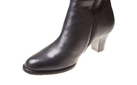 women shoe isolated on white background Stock Photo - 5953207