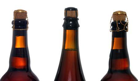 Corked bouteilles de bière en Belgique sur un fond blanc Banque d'images - 4854013