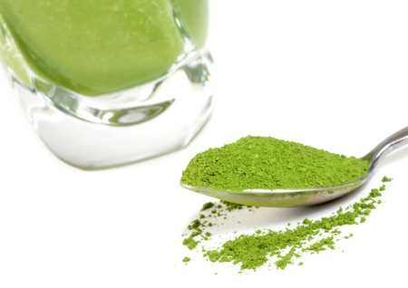 green drink powder: Green tea smoothie and matcha   Focus is on the matcha