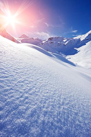冬にイタリア アルプス