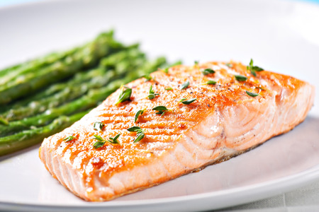 steak: Fillet of salmon with asparagus