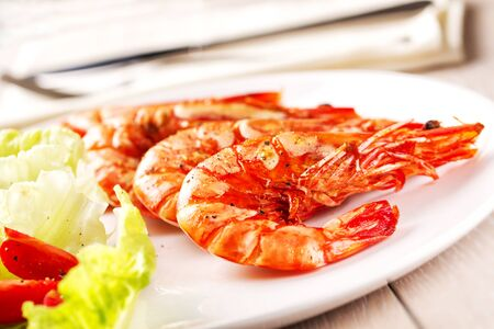 Grilled Prawns with salad