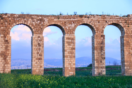 venerable: Remains of an ancient Roman aqueduct between Acre and Nahariya