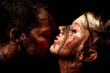 mujeres eroticas: Estudio de seducci�n de arte oscuro disparos de una pareja Foto de archivo