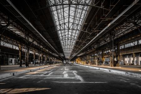 Industrielle Innenraum eines alten Fabrikgebäude Standard-Bild - 22469878
