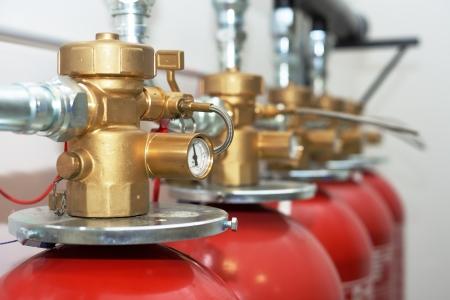 Grandes extincteurs CO2 dans une chambre Banque d'images - 22470728