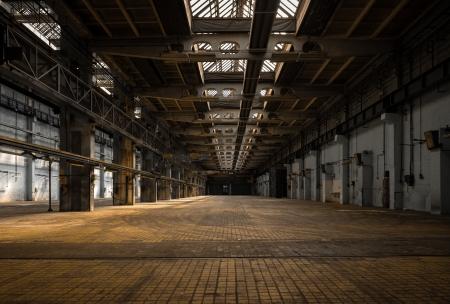 Grote industriële hal van een reparatie-station Stockfoto