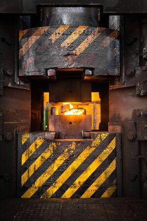 inceneritore: Fiamme in l'inceneritore in fabbrica