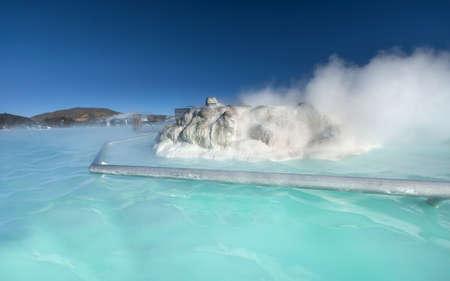 blue lagoon: laguna termica sotto un cielo blu all'aperto