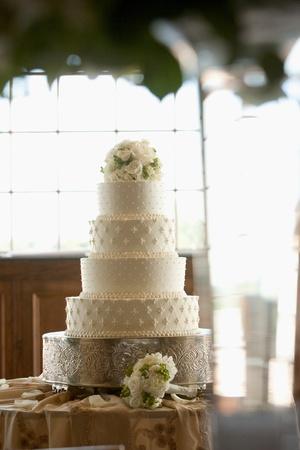 Wedding Cake with Flowers on Top Banco de Imagens