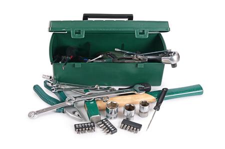 herramientas de construccion: Caja con herramientas de construcción aislado en blanco