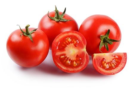 tomate: Rouges tomates fraîches, isolées sur fond blanc