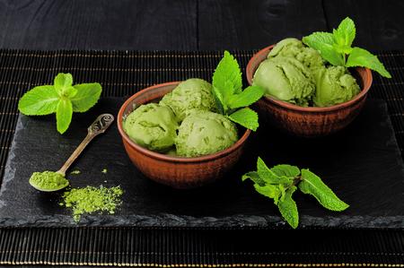 코코넛 우유와 녹차 녹차 민트 아이스크림