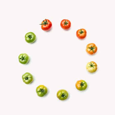 ripen: Template for your design. Composition of tomatos, arranged depending on their maturity. The concept of  organic food, healthy eating and a healthy lifestyle.
