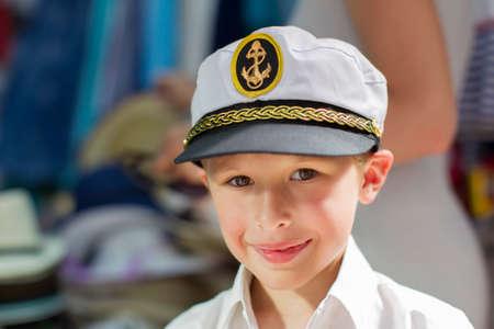 Little boy in a sailor hat Imagens - 155754634