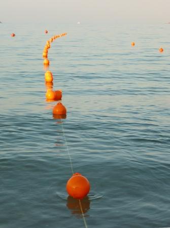 boyas: Las boyas en el mar Foto de archivo