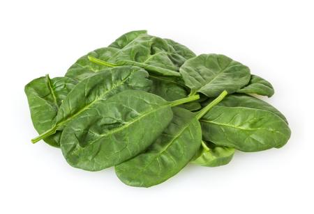 Foglie di spinaci freschi isolati su sfondo bianco